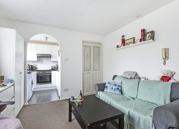 Thumbnail 1 bedroom flat for sale in Greenside Close, London