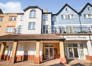 Roche Close, Rochford, Essex SS4. 2 bed flat