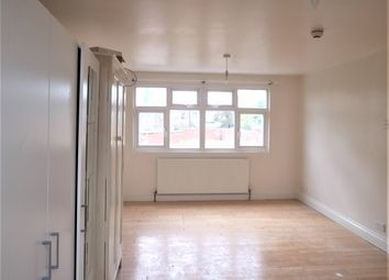 Thumbnail 3 bed flat to rent in Dagmar Avenue, Wembley