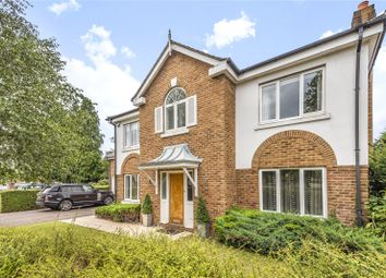 Foxon Close, Caterham, Surrey CR3. 5 bed detached house