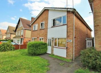 2 bed maisonette to rent in Mayfair Court, Barn Hall Avenue, Colchester CO2