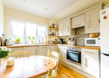 Thumbnail 2 bed flat for sale in Arundel Gardens, Winchmore Hill