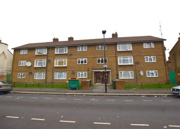Thumbnail 1 bedroom flat for sale in Braemar Road, London