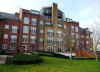 Thumbnail 2 bedroom flat for sale in Aveley House, Iliffe Close, Southampton Street, Reading
