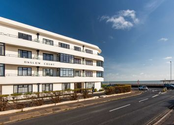 Brighton Road, Worthing BN11. 2 bed flat for sale
