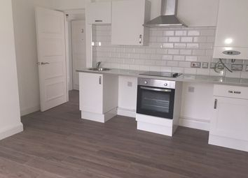Thumbnail 1 bed flat to rent in Western Road, Hove