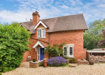 3 bed semi-detached house for sale in London Road, Bicester OX26