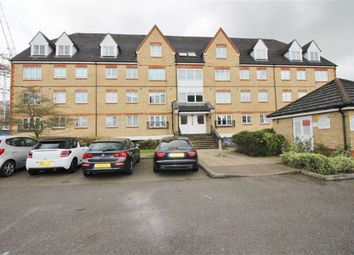 Thumbnail 2 bedroom flat to rent in Pembroke House, Borehamwood, Herts