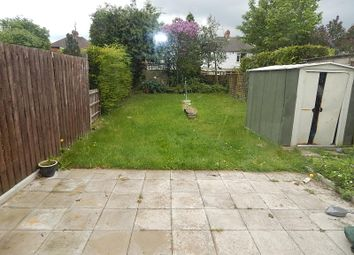 Thumbnail 2 bedroom flat to rent in Kinross Crescent, Luton