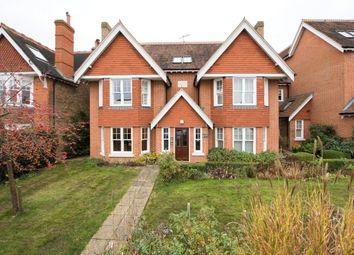 Thumbnail 2 bed flat to rent in Hardwicke Road, Reigate, Surrey