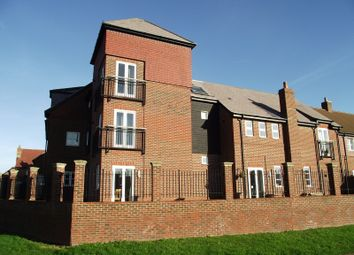 Thumbnail 1 bedroom flat to rent in Holders Close, Billingshurst