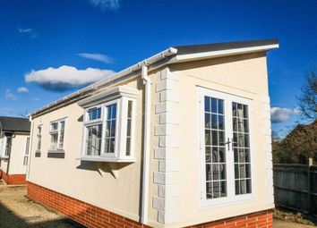 Thumbnail 1 bed mobile/park home for sale in Berry Lane, Blewbury, Oxfordshire