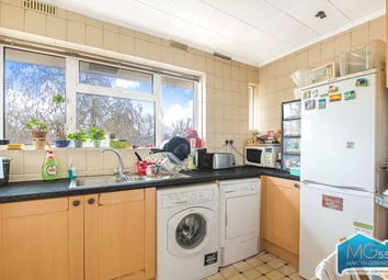 3 bed flat to rent in Kelland Close, Park Road, London N8