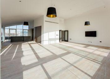 Thumbnail 3 bed flat to rent in Kew Bridge Road, Brentford