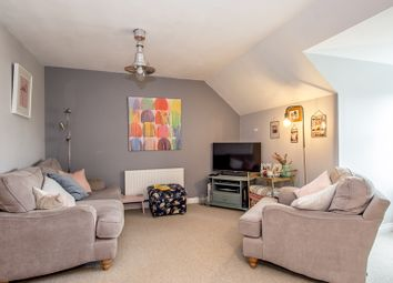 Thumbnail 2 bed flat for sale in Beulah Hill, London