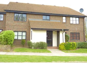Thumbnail Studio to rent in Sprucedale Close, Swanley, Kent