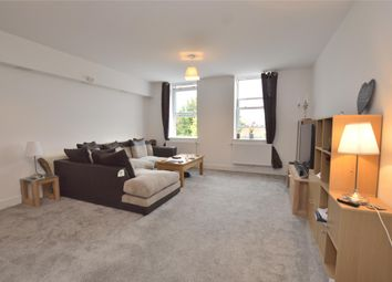 Thumbnail 1 bed flat to rent in High Street, Horley, Surrey