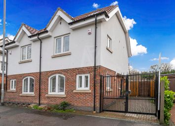 3 bed property to rent in Station Road, Chigwell IG7