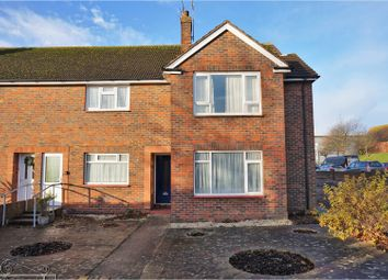 Thumbnail 2 bedroom flat for sale in Gainsborough Avenue, Worthing