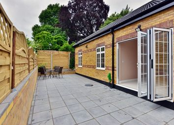 Thumbnail 2 bed flat to rent in The Orchard, London