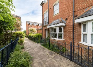 3 bed town house to rent in Tower View, Chartham, Canterbury CT4
