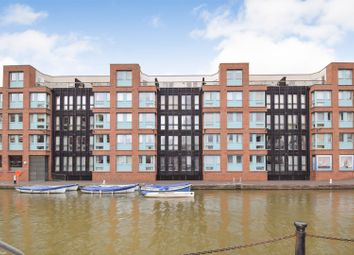 Thumbnail 1 Bed Flat For In The Docks Gloucester