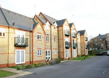 Thumbnail 2 bed flat to rent in Hummer Road, Egham
