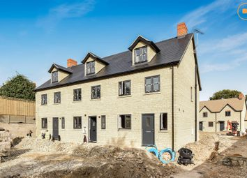Thumbnail 3 bed terraced house for sale in Apple Tree, Hailey Road, Witney