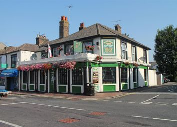 Thumbnail Pub/bar for sale in Kent - High Street Location ME10, Kent