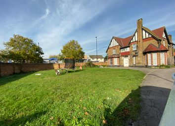 Thumbnail 1 bed detached house to rent in Elmwood Avenue, Feltham
