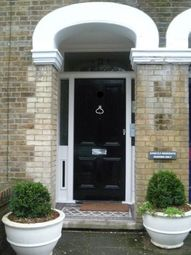 Thumbnail 1 bedroom flat to rent in Queens Road, Town Centre, Brentwood