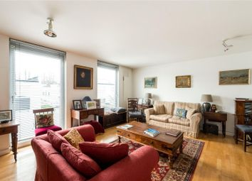 Thumbnail 4 bed town house for sale in Quickswood, London
