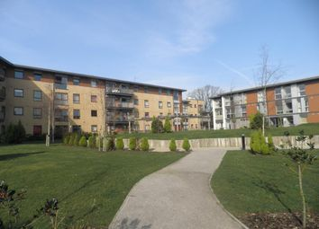 Thumbnail Flat to rent in Commonwealth Drive, Crawley