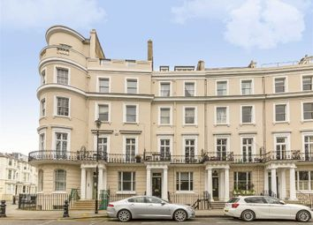 Thumbnail 1 bedroom flat for sale in Royal Crescent, London