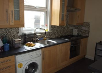 Thumbnail 5 bed flat to rent in Burdett Road, Mile End