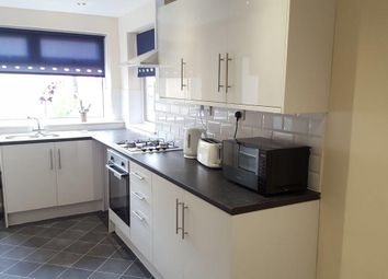 Thumbnail 2 bed flat for sale in Spring Bank, Hull