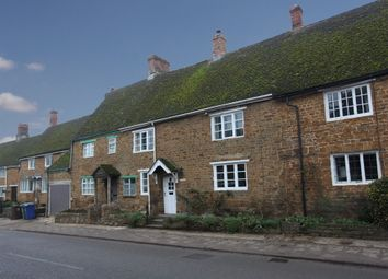 Thumbnail 3 bed cottage to rent in Church Street, Bloxham