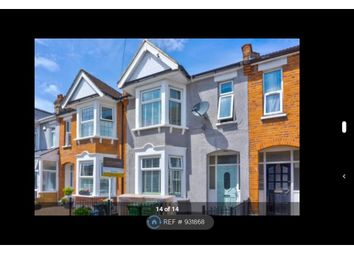 3 bed terraced house to rent in Claremont Gardens, Ilford IG3