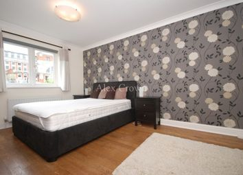 Thumbnail 2 bed flat to rent in Central Street, London