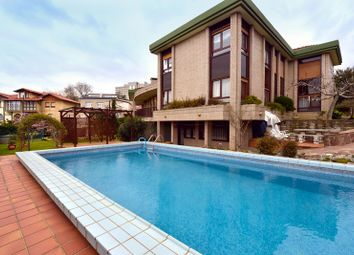 Thumbnail 5 bed property for sale in Cdad. Jardín, 39010 Santander, Cantabria, Spain