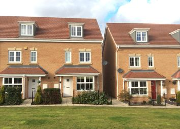 Thumbnail 4 bed town house to rent in Sunningdale Way, Gainsborough, Lincs