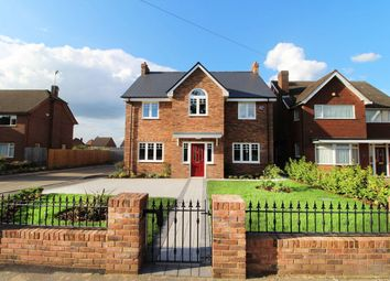 Thumbnail 5 bed detached house for sale in West Hill Road, Luton
