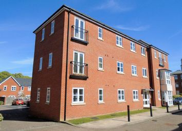 Thumbnail 2 bed flat for sale in Consort Mews, Knowle, Fareham