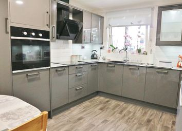 3 bed flat for sale in Sun Court, Slade Green, Kent DA8
