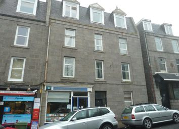 2 bed flat to rent in Spital, Top Left AB24