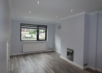 Thumbnail 3 bedroom flat to rent in The Hall Walk, London Road, Berkhamsted