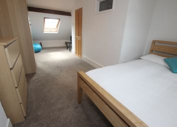 Thumbnail Room to rent in Hill Street - Room 4, Reading