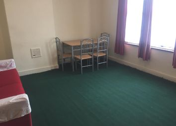Thumbnail 1 bed flat to rent in Green Lanes, Ilford