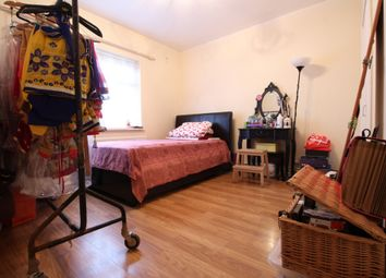 Thumbnail 5 bed flat to rent in Southwold Road, Lower Clapton