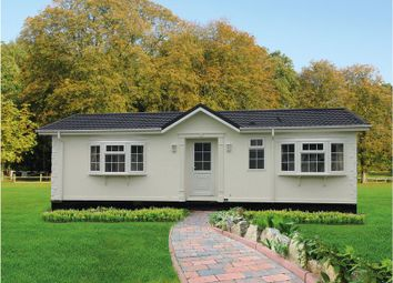 Thumbnail 2 bed mobile/park home for sale in Eighth Avenue, Holly Lodge, Lower Kingswood, Tadworth